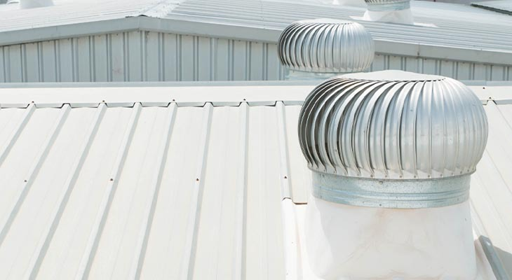How A Commercial Roofing Contractors' Job Differs